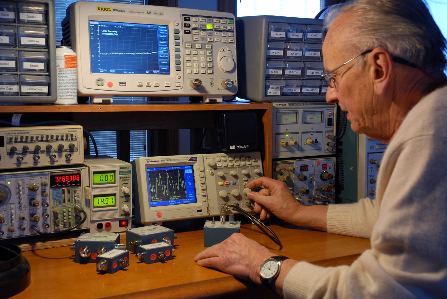 Electronic Lab Instruments : Calibration preciserf